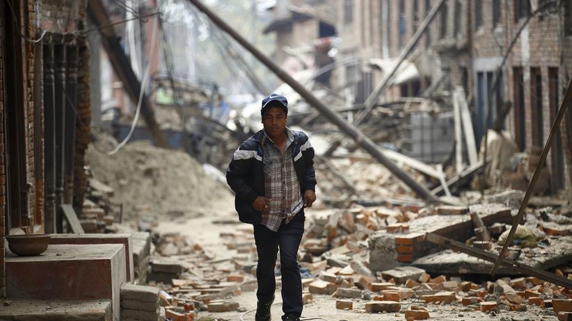 Erdbeben: Zahl der Toten in Nepal steigt auf mehr als 3.700