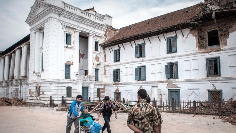 Nepal: Im Rollstuhl vor einem Erdbeben fliehen, unmöglich