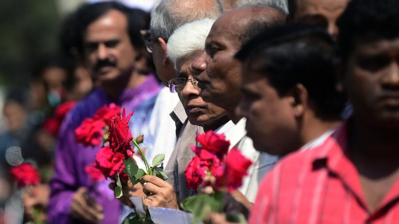 Dhaka: Mob tötet religionskritischen Blogger in Bangladesch