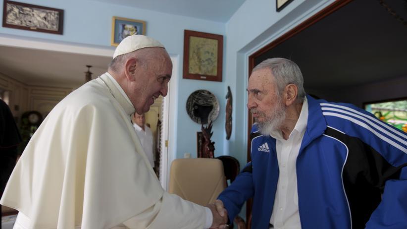 Papstbesuch: Franziskus ruft kubanische Jugend zur Abkehr von Ideologien auf