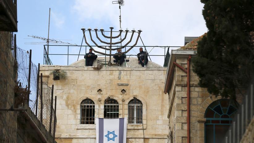 Israel: Israelische Soldaten in der Altstadt von Jerusalem unmittelbar nach der Messerattacke