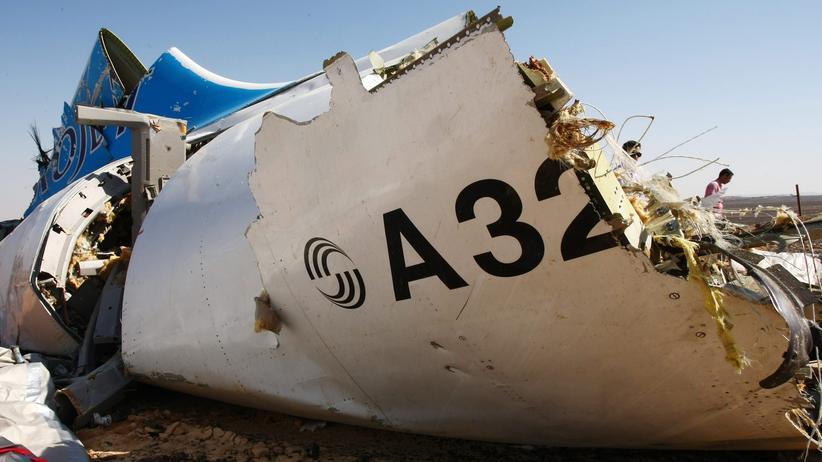 Teile des zerstörten Airbus A321 auf der Sinai-Halbinsel.