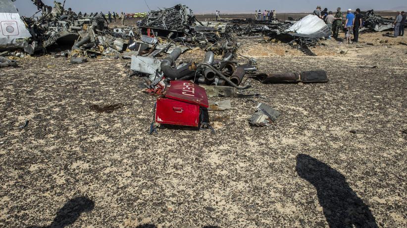 Airbus-Absturz: Teile des zerstörten Airbus A321 auf der Sinai-Halbinsel