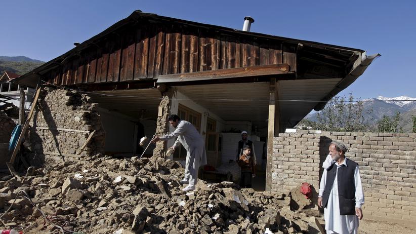 Schon im Oktober 2015 richtete ein Erdbeben der Stärke 7,5 in Pakistan schwere Schäden an.