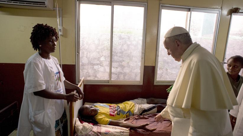 Welt-Aids-Tag: Papst Franziskus besucht ein Krankenhaus in der Zentralafrikanischen Republik.