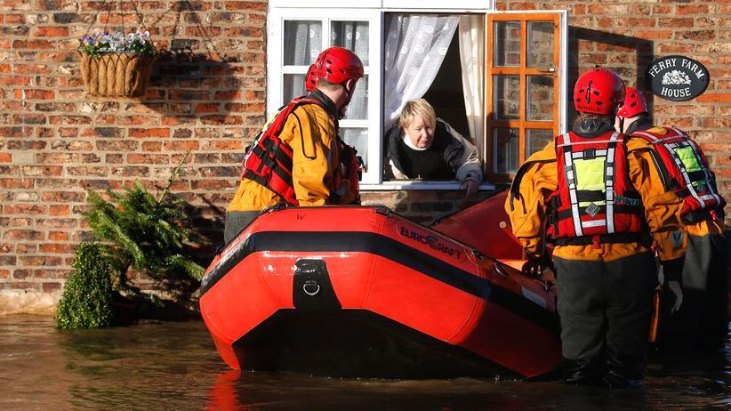 Überschwemmung: Hunderte Engländer müssen wegen Fluten ihre Häuser verlassen
