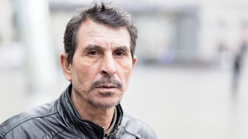 Mohammad F., 59, stammt aus Daraa, dort arbeitete er als Zimmermann. Er floh mit seiner Frau und elf seiner zwölf Kinder nach Deutschland.