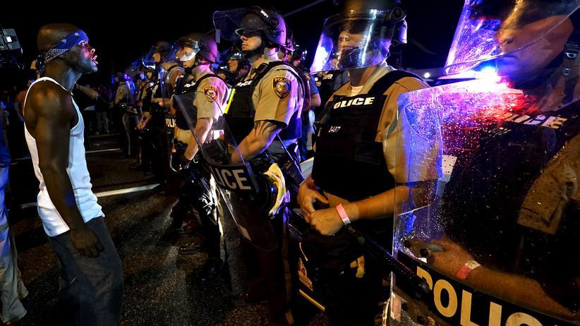 USA: Nach den tödlichen Schüssen auf den Teenager Michael Brown war es in Ferguson zu Protesten gekommen.