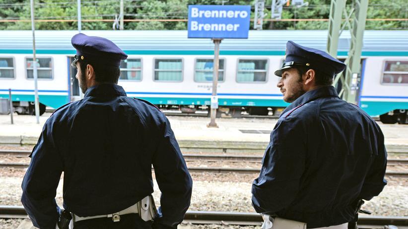Brenner: Italienische Polizeibeamte am Bahnhof Brenner im vergangenen Jahr