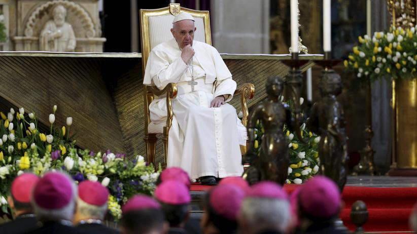 Franziskus: Papst Franziskus bei seinem Treffen mit mexikanischen Bischöfe in der Kathedrale von Mexiko-Stadt
