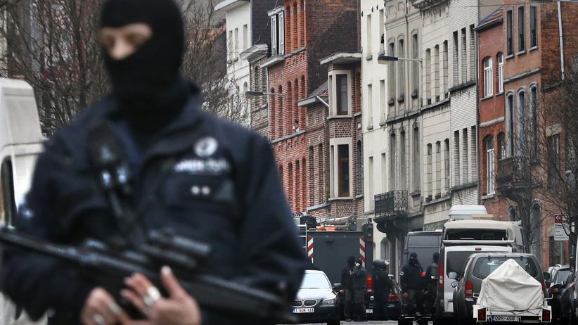 Salah Abdeslam: Ein Polizist im Brüsseler Stadtteil Molenbeek