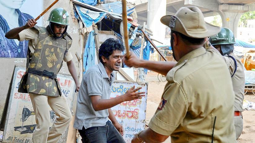 Indien Polizeigewalt