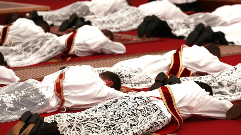 Piusbruderschaft: Eine Priesterweihe der Piusbrüder in der Schweiz