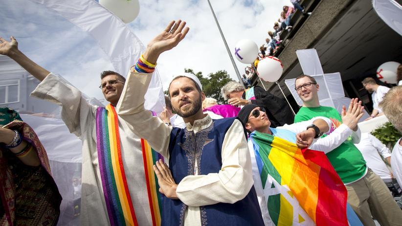 Homosexualität: Der französische Imam Ludovic-Mohamed Zahed, hier auf der Amsterdam Gay Pride 2016, fand erst über Umwege zum Islam zurück.