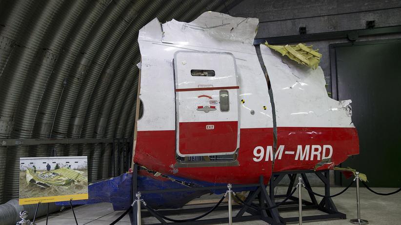 Malaysia Airlines: Ermittler veröffentlichen Namen zu MH17-Abschuss