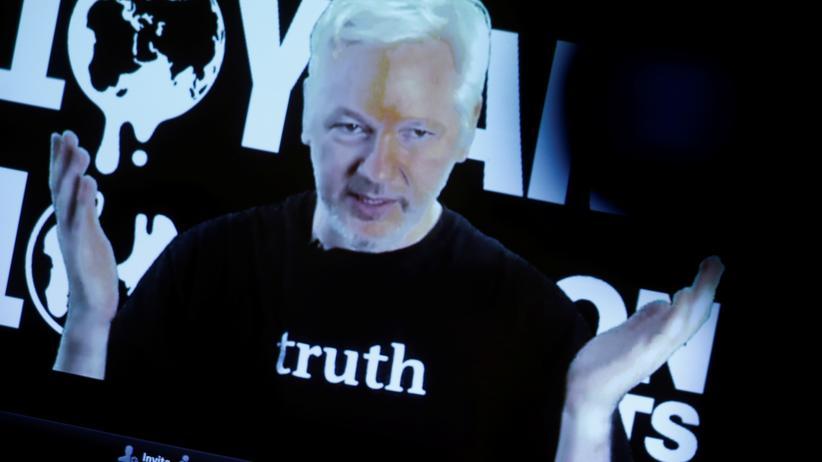 WikiLeaks: Julian Assange spricht am 4. Oktober per Videoübertragung auf einer Pressekonferenz.