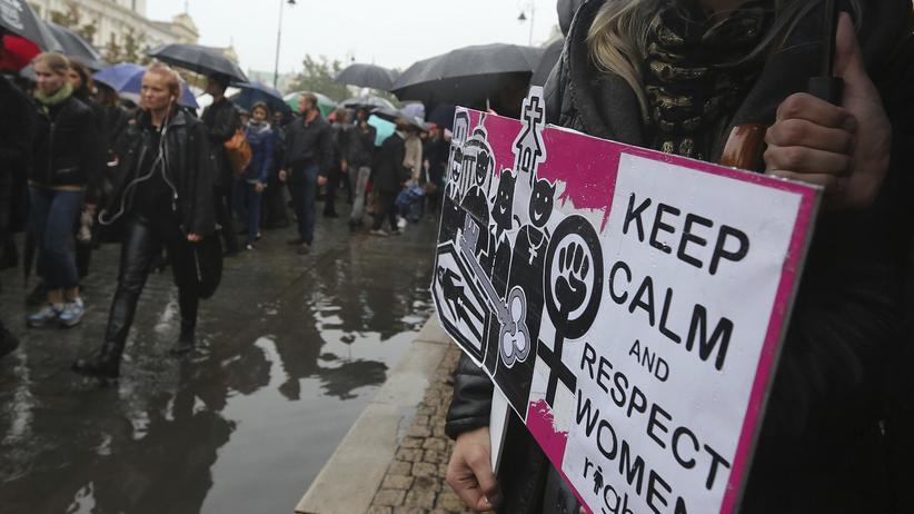 Polen: Demonstranten in der Innenstadt von Warschau