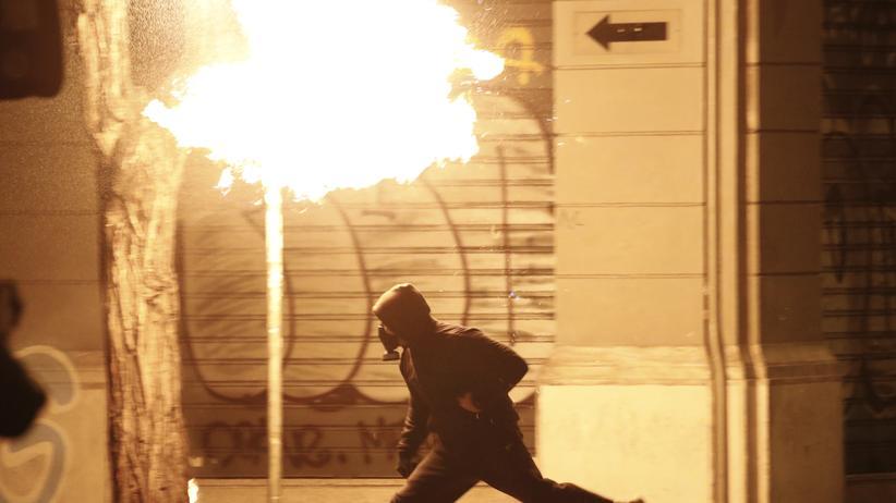 Griechenland: Straßenschlachten zwischen Polizei und Autonomen in Athen