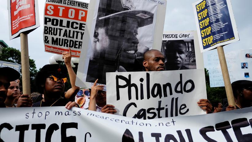 Philando Castile: Polizist wegen tödlicher Schüsse auf Schwarzen angeklagt