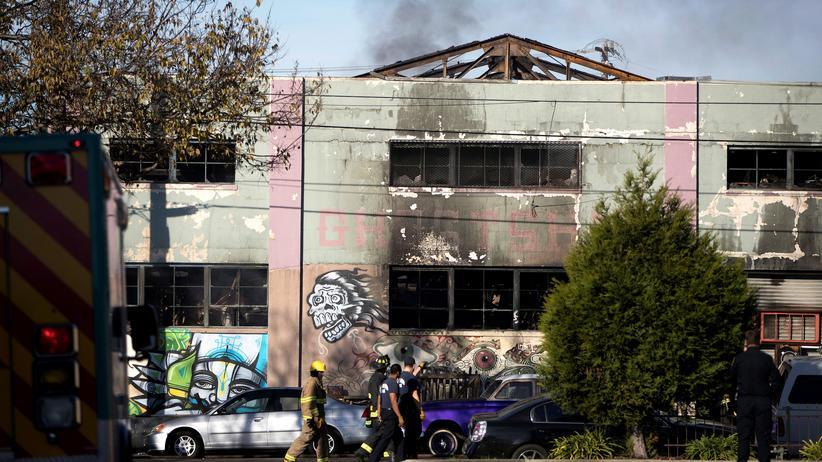 Kalifornien: Tödliches Feuer im selbst gebauten Club