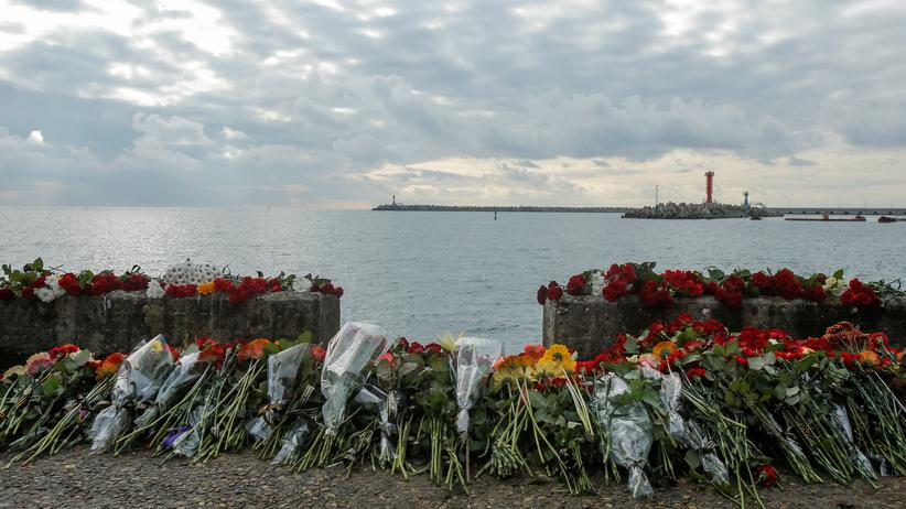 Russland: Erste Flugzeugteile nach Absturz gefunden