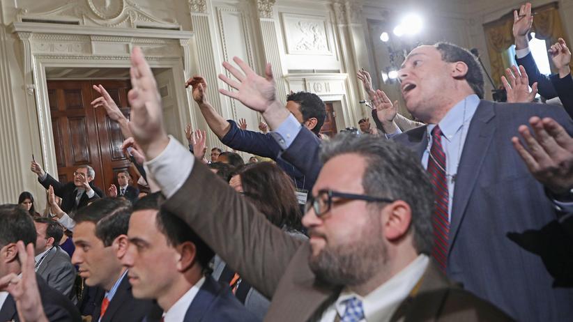 Hate Speech: Unter Druck: Journalisten im Weißen Haus (Archivbild)
