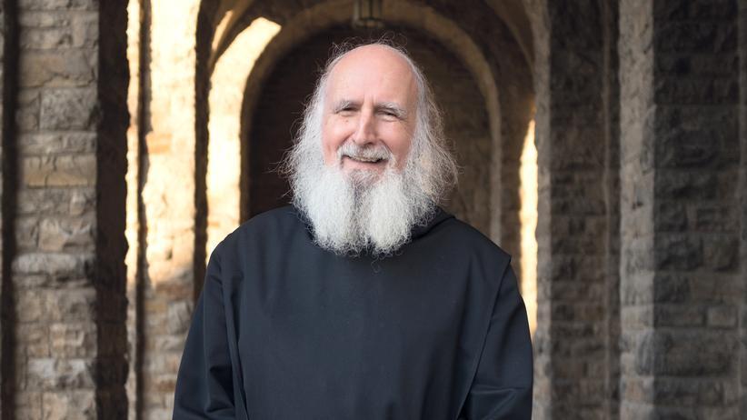 Anselm Grün: Der Benediktinerpater Anselm Grün wurde 1945 im unterfränkischen Junkershausen geboren.