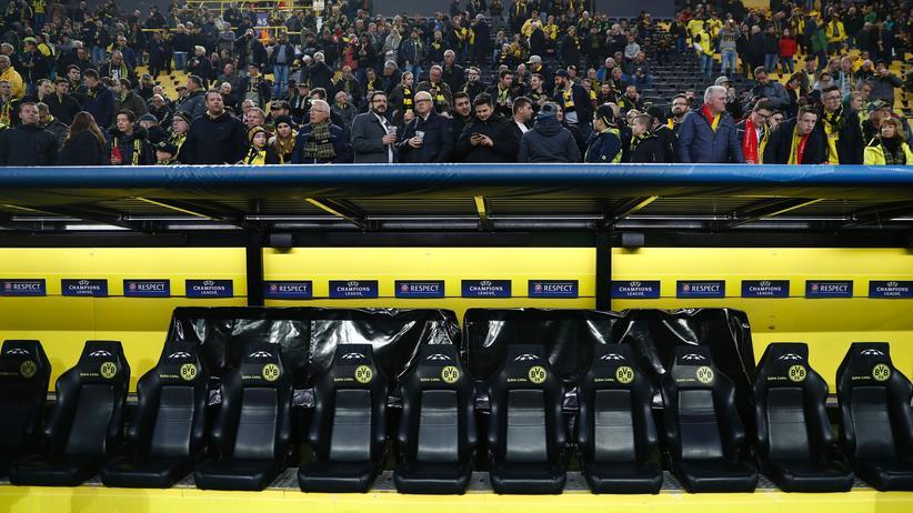 Dortmund: Blick auf die leere Mannschaftsbank des BVB