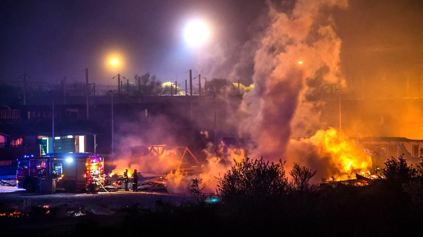 Frankreich: Flüchtlingslager brennt vollständig nieder