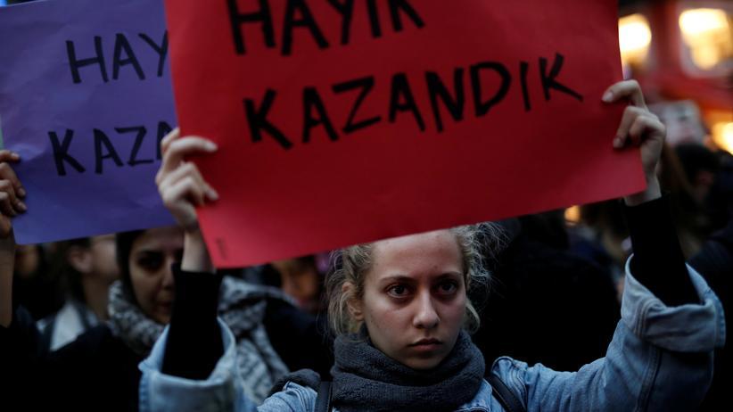 Nach Erdogans Sieg: Ausnahmezustand bis Juli verlängert
