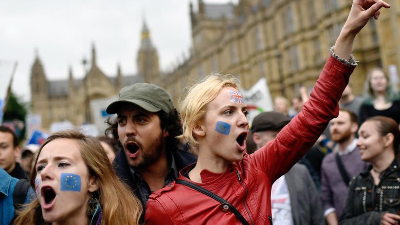 """Studie """"Junges Europa"""": Gegen einen Austritt aus der EU ist die Mehrheit der jungen Europäer. Hier: Demonstranten, die nach dem Referendum 2016 in London gegen den Brexit protestieren."""