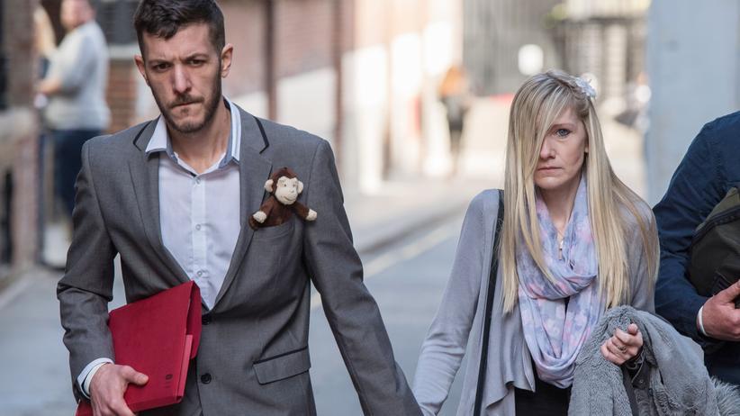 Charlie Gard: Connie Yates und Chris Gard, die Eltern von Charlie Gard, verlassen die königlichen Gerichtshöfe in London im April 2017.