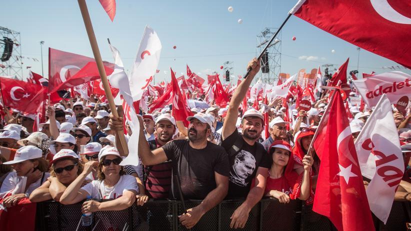 """Türkei: Hunderttausende rufen: """"Gerechtigkeit!"""""""