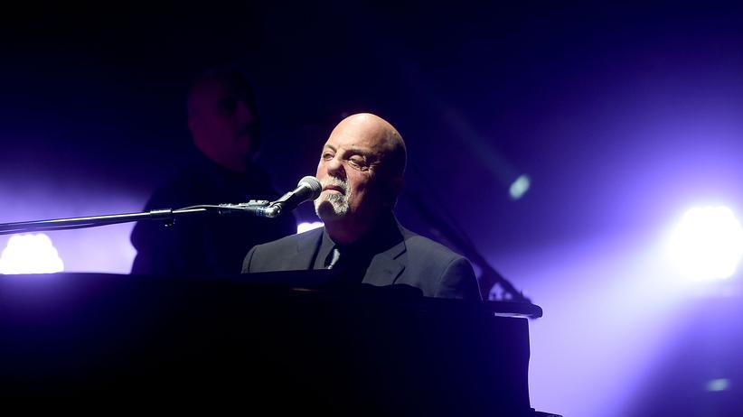 New York: Billy Joel trägt Davidstern als Zeichen gegen Rechtsextremismus