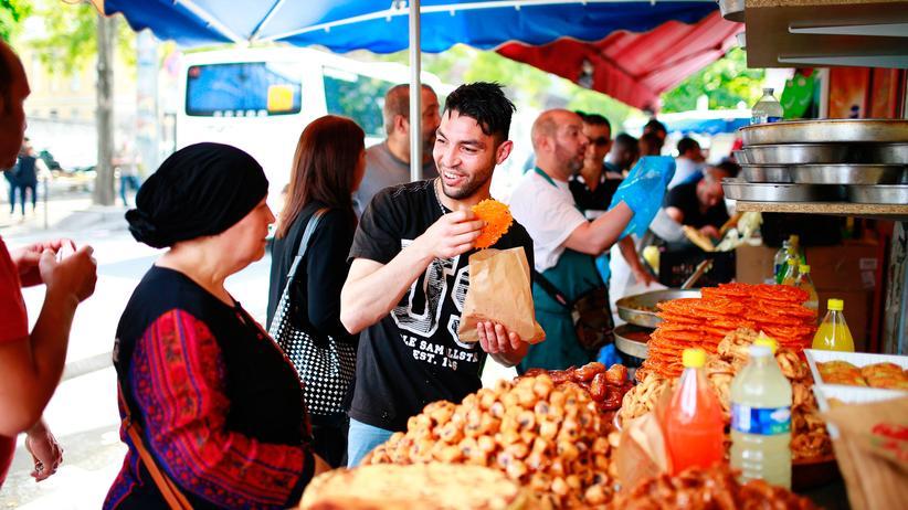 Religionsmonitor 2017: Ein Lebensmittelmarkt in Paris