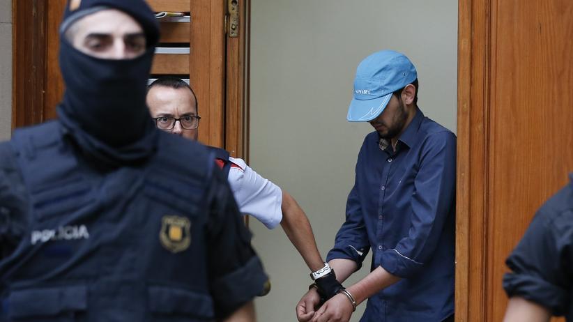 Nach Barcelona-Anschlag | Gesuchter Imam bei Explosion in Spanien getötet
