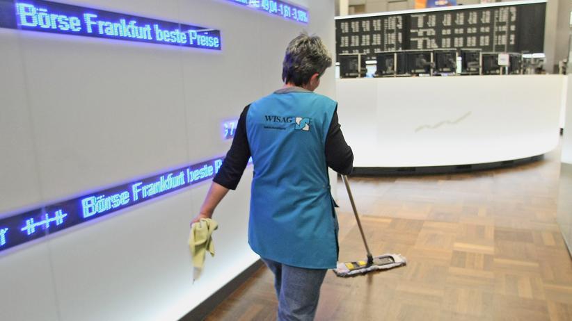 Digitalisierung der Arbeit: Reinigungskraft an der Frankfurter Börse