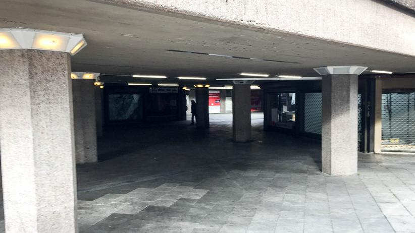 ebertplatz-koeln-demonstration-kriminalitaet-mauer-3