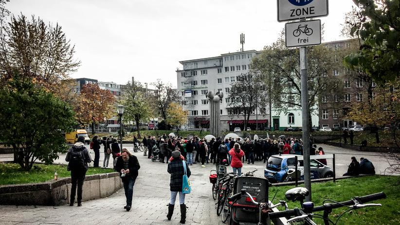 ebertplatz-koeln-demonstration-kriminalitaet-mauer-4