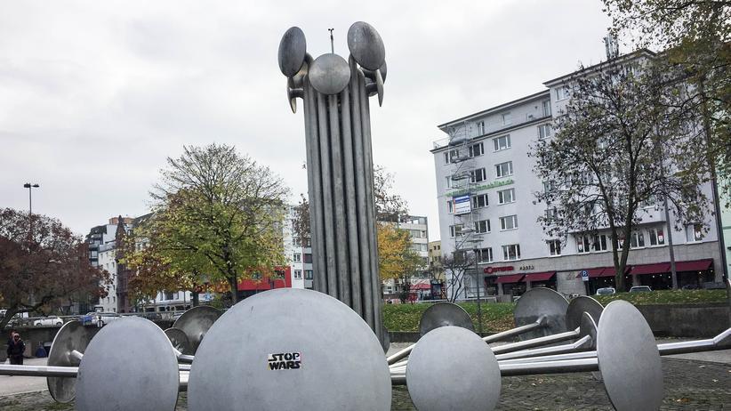 ebertplatz-koeln-demonstration-kriminalitaet-mauer