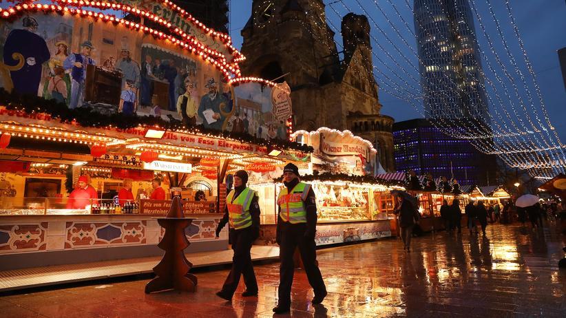 Sicherheit auf Weihnachtsmärkten: Auch der Weihnachtsmarkt am Berliner Breitscheidplatz ist in diesem Winter stärker bewacht.