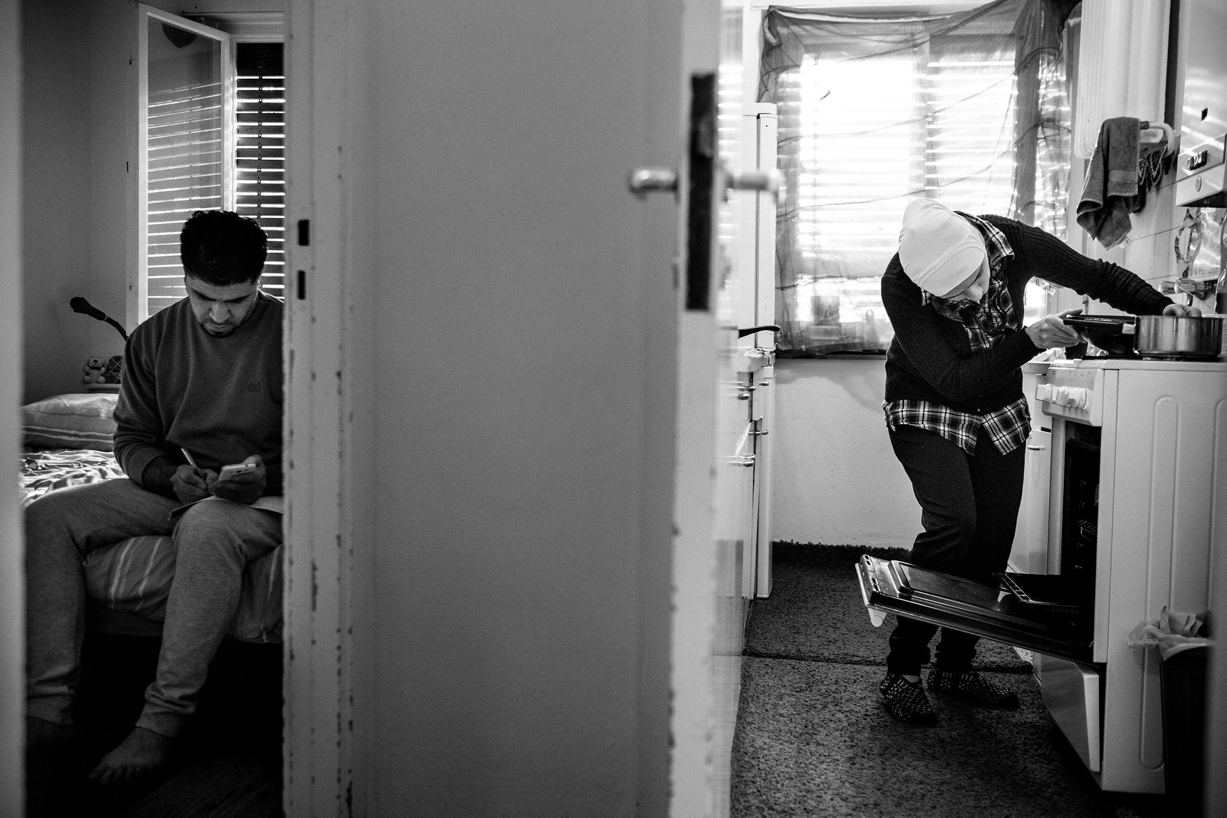 fluechtlinge-syrien-berlin-asyl-integration-kueche