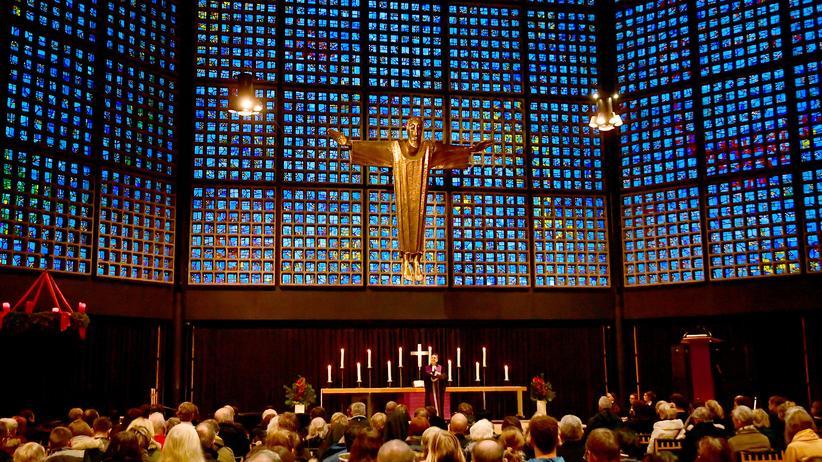 Kirchen: Die Kaiser-Wilhelm-Gedächtniskirche in Berlin, am 19. Dezember 2017
