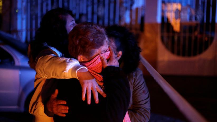 Mexiko: Angehörige trauern um die Toten in Ciudad Juárez in Mexiko.