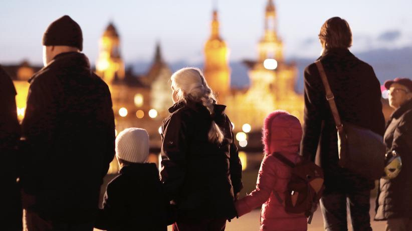 """Dresden: """"Erinnerungskultur ist nicht nur das Ablegen von Kränzen"""""""