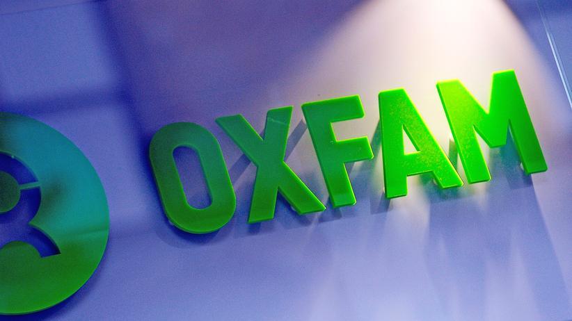 Haiti und Tschad: Das Oxfam-Logo an einem Buchladen in Glasgow