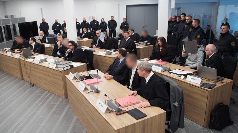 Dresden: Lange Haftstrafen im Prozess gegen Gruppe Freital