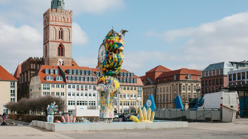 Oberbürgermeisterwahl Frankfurt (Oder): Der Brunnenplatz mit Blick auf die Marienkirche