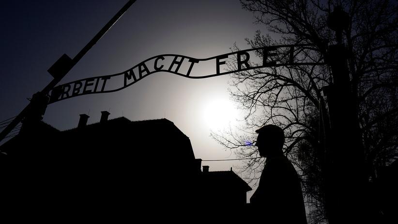 Auschwitz: Der Eingang zum ehemaligen Konzentrationslager Auschwitz
