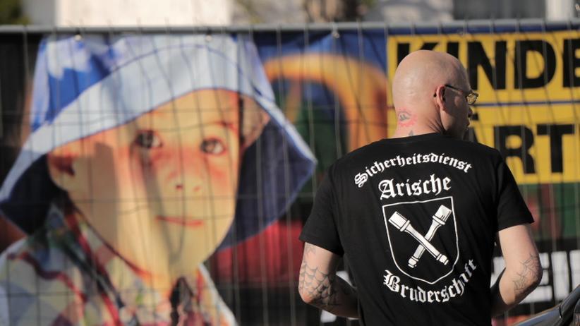 Rechtsextremismus: Volksfest für Rechtsaußen